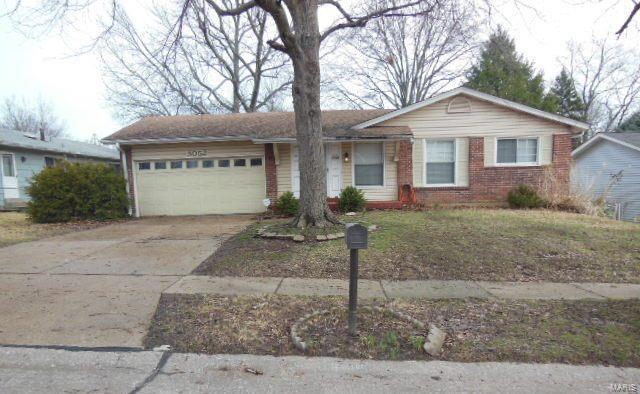 3052 Wintergreen Drive, Florissant, MO 63033 (#18028044) :: Clarity Street Realty