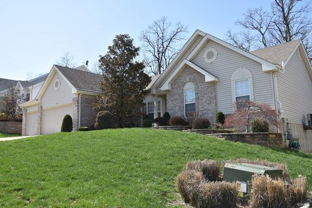 279 Romaine Spring View, Fenton, MO 63026 (#18029963) :: The Becky O'Neill Power Home Selling Team