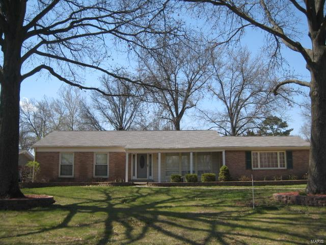 327 Meadowbrook Drive, Ballwin, MO 63011 (#18031256) :: St. Louis Finest Homes Realty Group