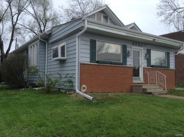 3721 W Main Street, Belleville, IL 62226 (#18032433) :: Sue Martin Team