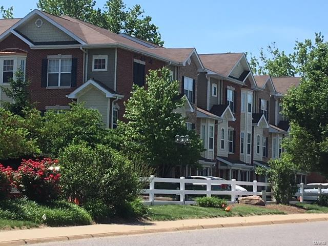 2726 Mcknight Crossing Court, St Louis, MO 63124 (#18048679) :: Clarity Street Realty