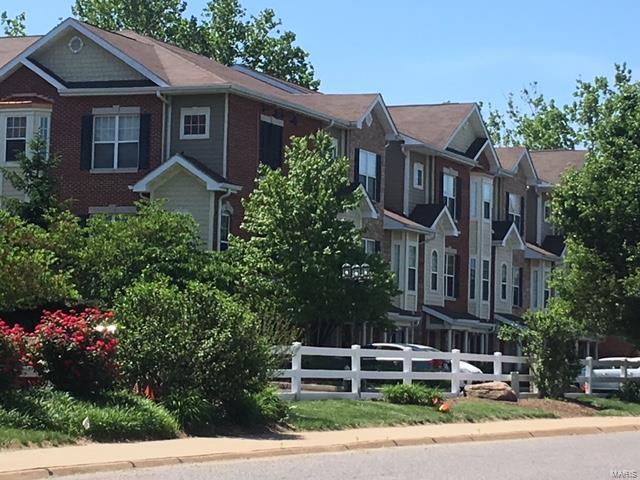 2726 Mcknight Crossing Court, St Louis, MO 63124 (#18048679) :: Sue Martin Team