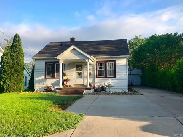 14 Janet Drive, Belleville, IL 62226 (#18049026) :: Holden Realty Group - RE/MAX Preferred