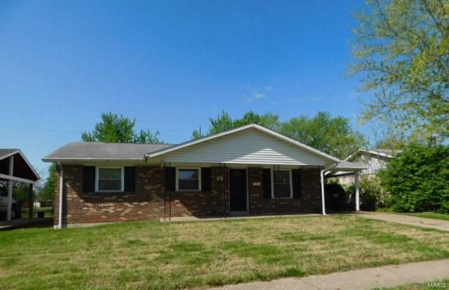 2020 Foggy Bottom, Florissant, MO 63031 (#18049657) :: Clarity Street Realty
