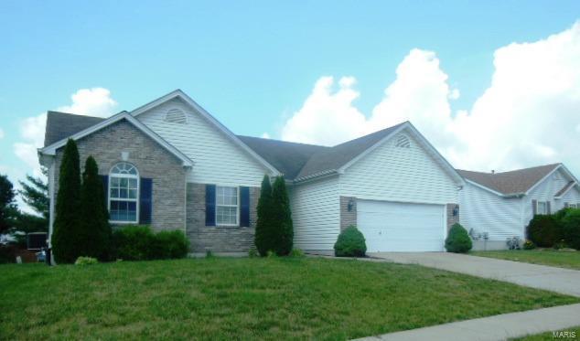 1418 Sunburst Drive, O'Fallon, MO 63366 (#18055866) :: Kelly Hager Group | TdD Premier Real Estate