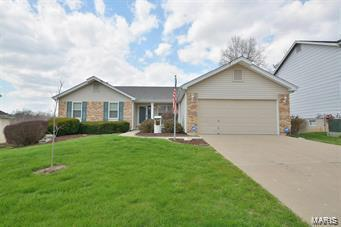 3113 Country Knoll Drive, Saint Charles, MO 63303 (#18056514) :: Barrett Realty Group