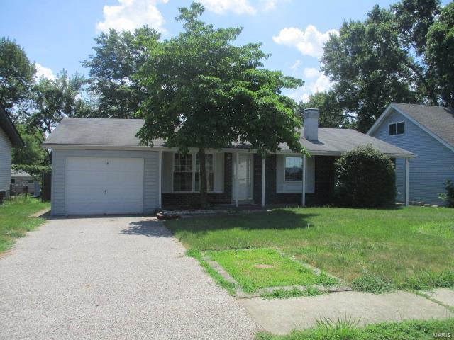 330 Raymond Drive, Florissant, MO 63031 (#18057253) :: Clarity Street Realty