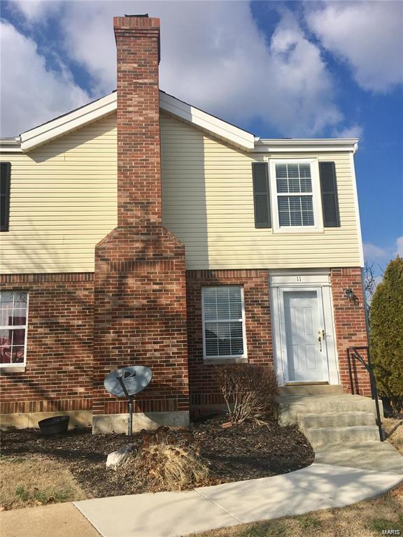 11 Woodlake Court, Lake St Louis, MO 63367 (#18063363) :: Clarity Street Realty