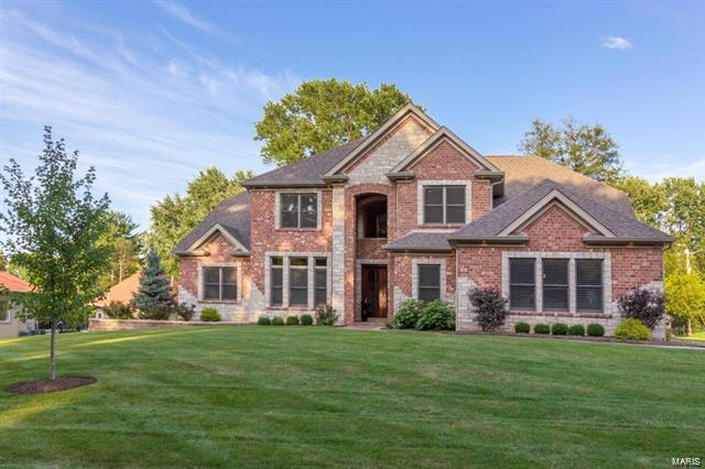 100 Shady Valley Drive, Chesterfield, MO 63017 (#18065776) :: Holden Realty Group - RE/MAX Preferred