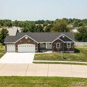 137 Wilson Creek *Greenbriar, Shiloh, IL 62221 (#18065805) :: Sue Martin Team
