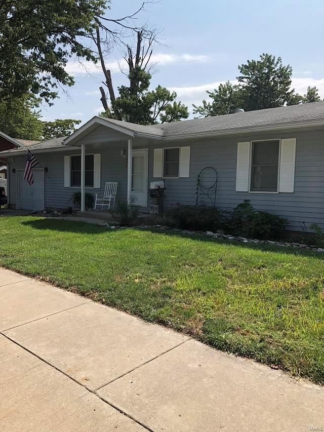 322 E Prairie Street, Jerseyville, IL 62052 (#18070127) :: Fusion Realty, LLC