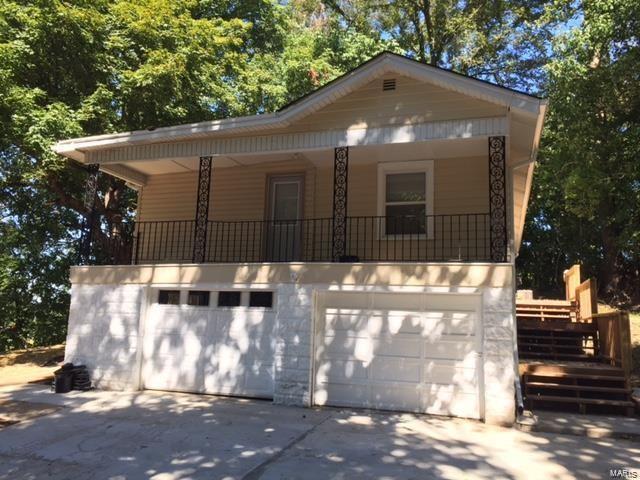 2424 N 89th, Caseyville, IL 62232 (#18074409) :: Walker Real Estate Team