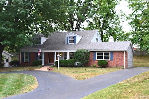 345 Meadowbrook Drive, Ballwin, MO 63011 (#18075762) :: The Kathy Helbig Group