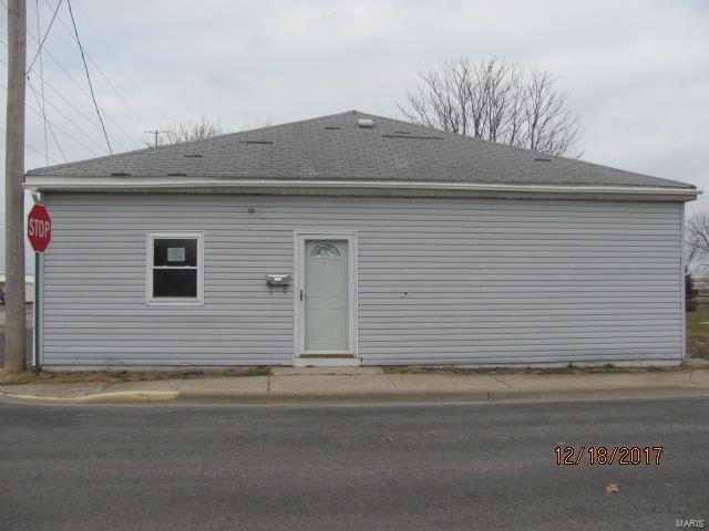 101 E Cherry, Hartford, IL 62048 (#18076347) :: RE/MAX Vision
