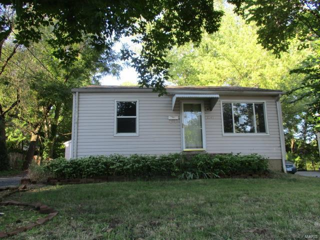 1245 Washington Street, Florissant, MO 63031 (#18076488) :: Clarity Street Realty