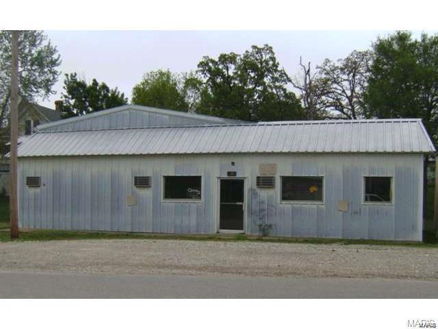 301 S Locust, Dixon, MO 65459 (#18083023) :: Walker Real Estate Team