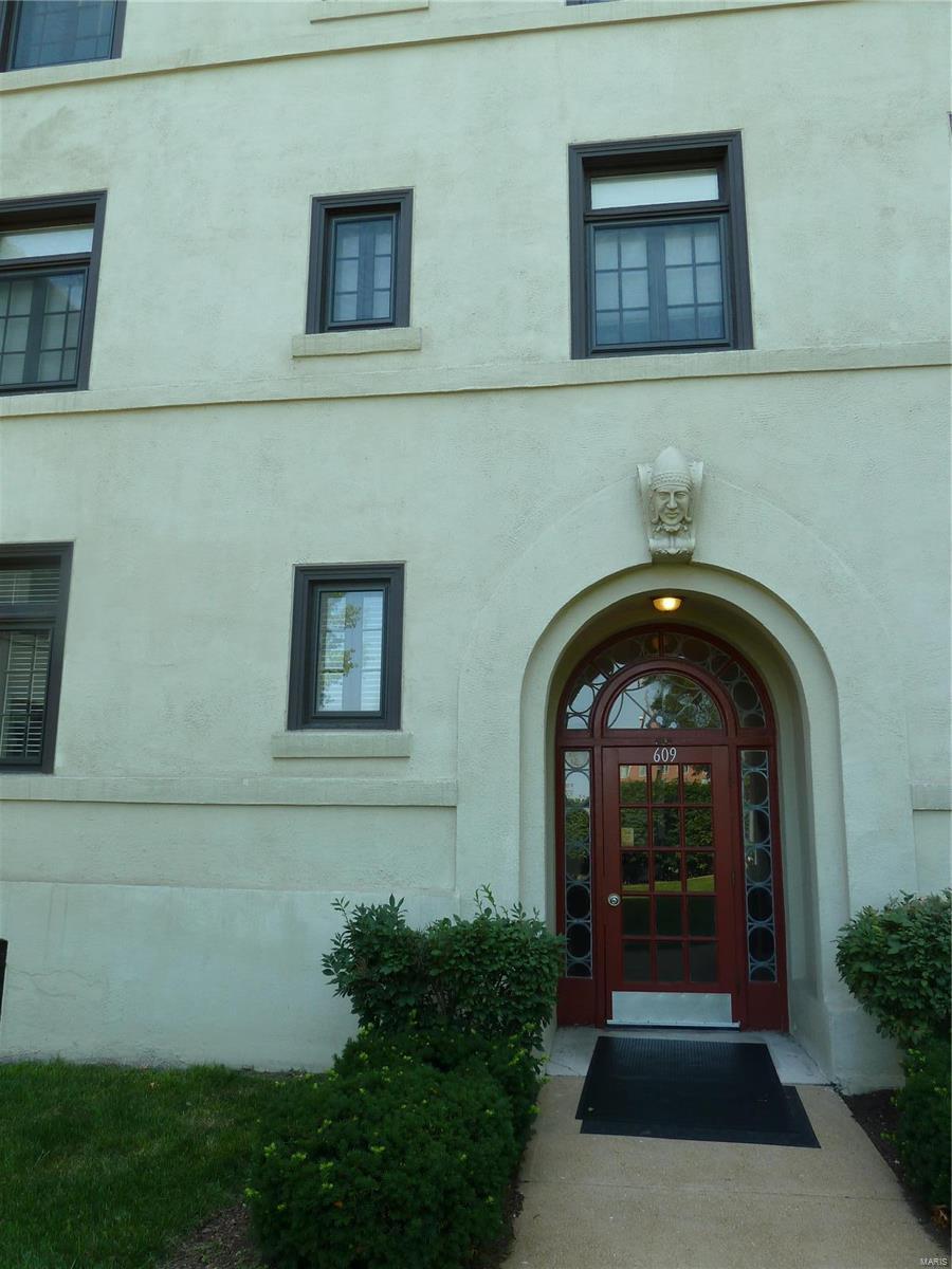 609 Westgate Avenue - Photo 1