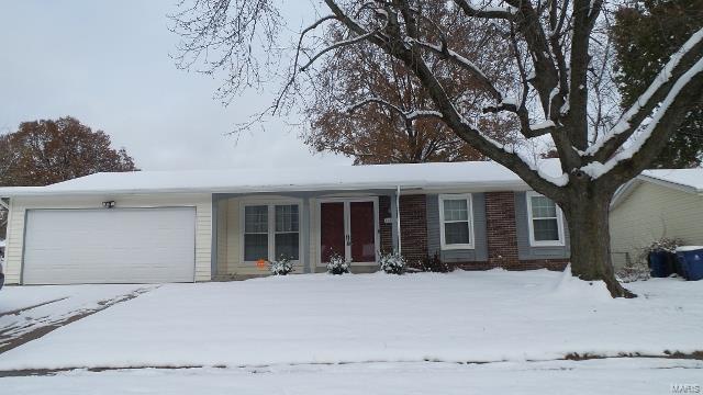 11452 Las Ladera, Florissant, MO 63033 (#18090474) :: Kelly Hager Group | TdD Premier Real Estate