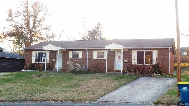 1 Jeri Lynn Lane, Collinsville, IL 62234 (#18094712) :: Holden Realty Group - RE/MAX Preferred