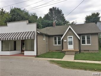 18 N Main Street, Caseyville, IL 62232 (#18096542) :: Jeremy Schneider Real Estate