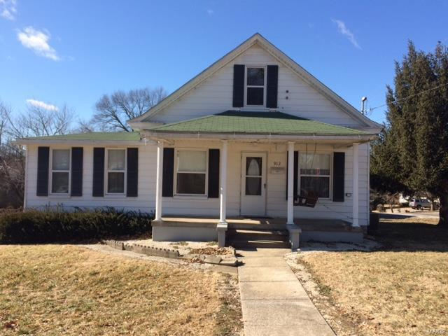 912 Warren Street, Jerseyville, IL 62052 (#19008334) :: Clarity Street Realty