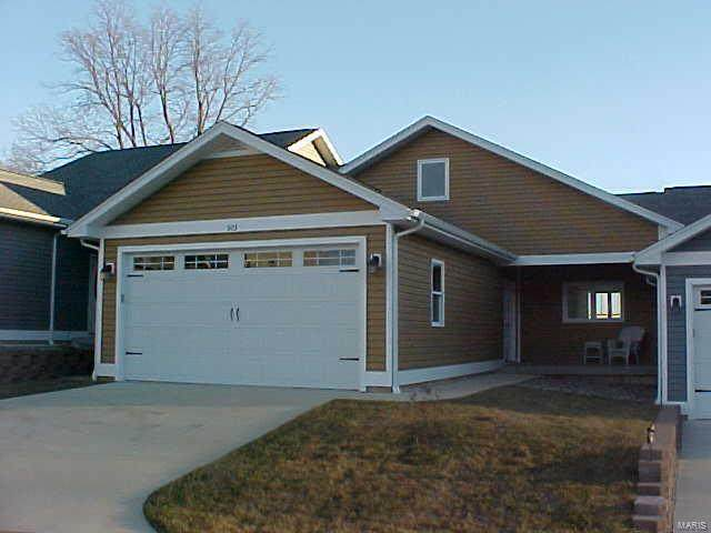 303 Mooring Place #27, Grafton, IL 62037 (#19013414) :: The Becky O'Neill Power Home Selling Team
