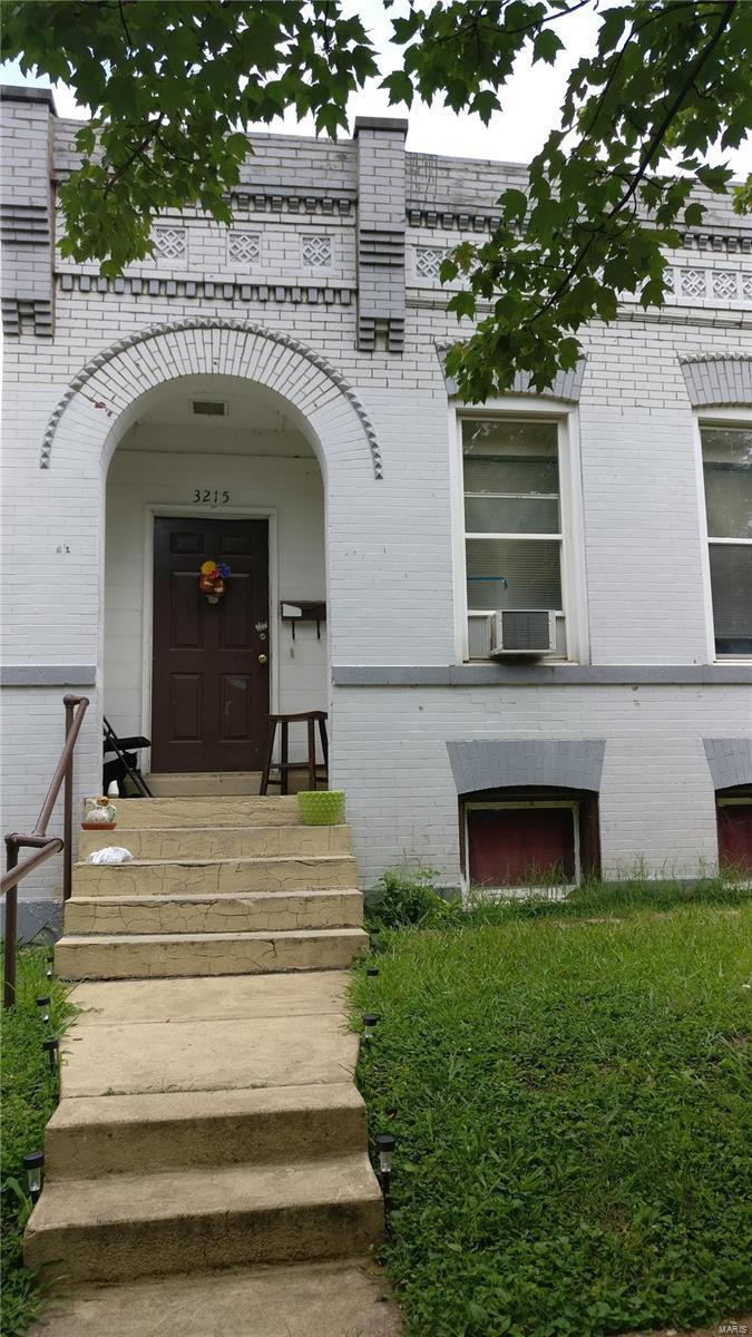 3215 Taft Avenue - Photo 1