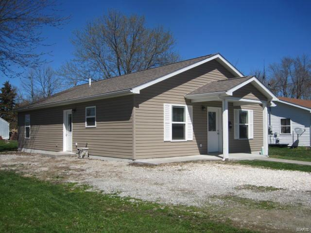 1217 W Main, Bowling Green, MO 63334 (#19025729) :: The Becky O'Neill Power Home Selling Team
