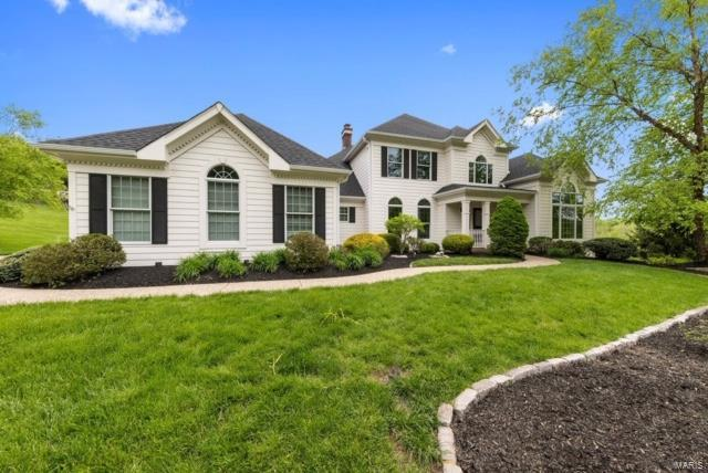 17948 Greycliff Drive, Chesterfield, MO 63005 (#19035099) :: The Becky O'Neill Power Home Selling Team