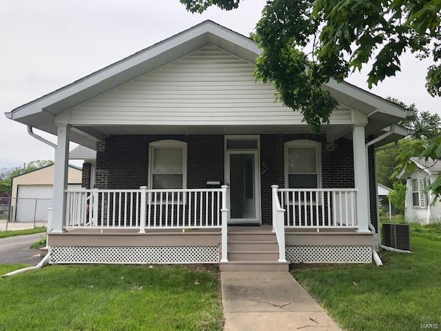 9814 W Main Street, Belleville, IL 62223 (#19035809) :: The Becky O'Neill Power Home Selling Team