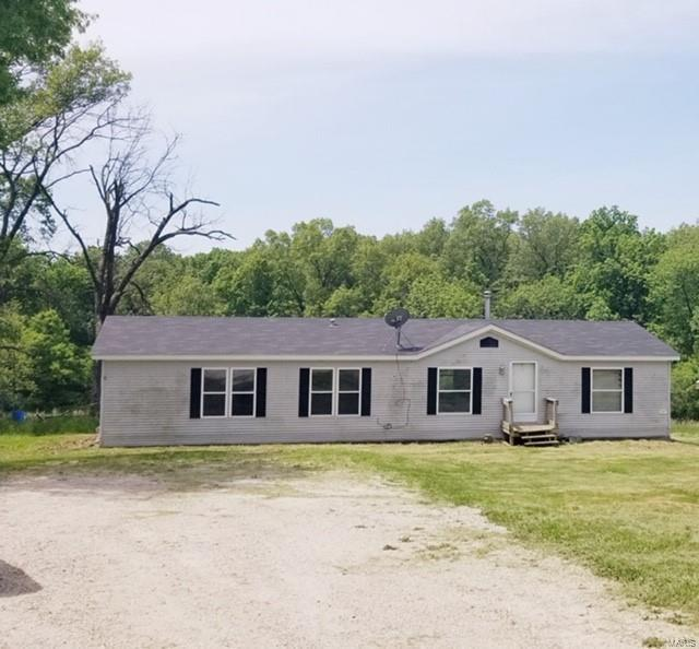 95 Mary, Elsberry, MO 63343 (#19036524) :: The Becky O'Neill Power Home Selling Team