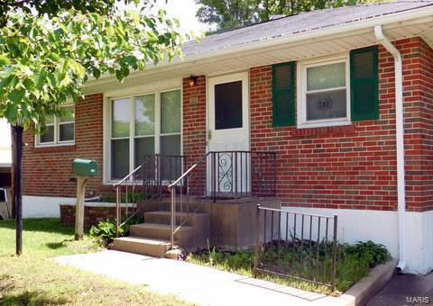 180 Saint Cornelius Lane, Florissant, MO 63031 (#19037090) :: The Becky O'Neill Power Home Selling Team