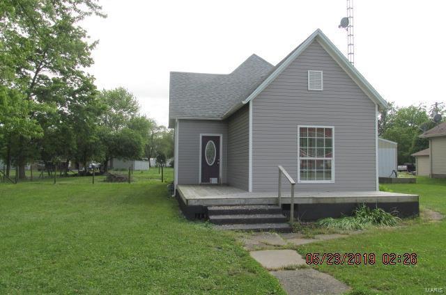 410 W Main Street, COFFEEN, IL 62017 (#19039458) :: Ryan Miller Homes