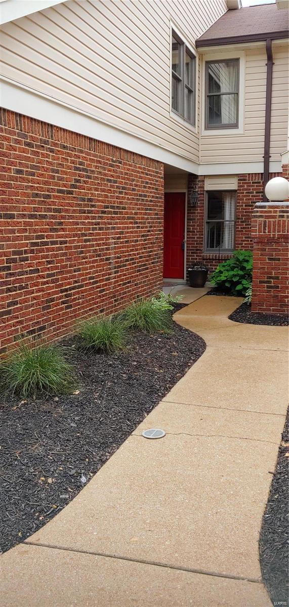 5610 Duchesne Parque Drive 18-5, St Louis, MO 63128 (#19044858) :: Ryan Miller Homes