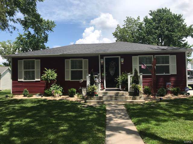 803 N Giddings Avenue, Jerseyville, IL 62052 (#19053942) :: Fusion Realty, LLC