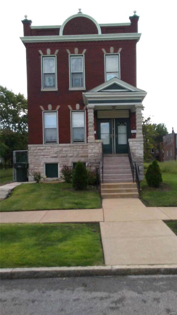 4312 Warne Avenue - Photo 1