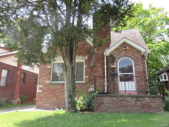 7090 Lexington Avenue, St Louis, MO 63121 (#19061787) :: The Becky O'Neill Power Home Selling Team