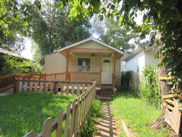 1170 Howell Street, St Louis, MO 63147 (#19062487) :: The Becky O'Neill Power Home Selling Team