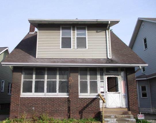 2307 Washington Avenue, Granite City, IL 62040 (#19062960) :: The Becky O'Neill Power Home Selling Team