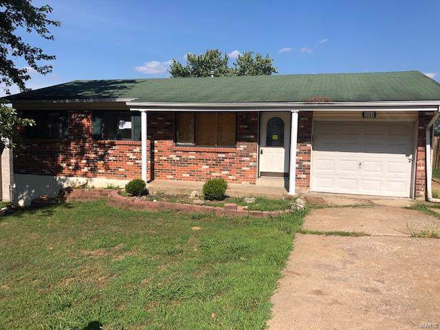 2225 Country Wood Drive, Imperial, MO 63052 (#19063398) :: The Becky O'Neill Power Home Selling Team