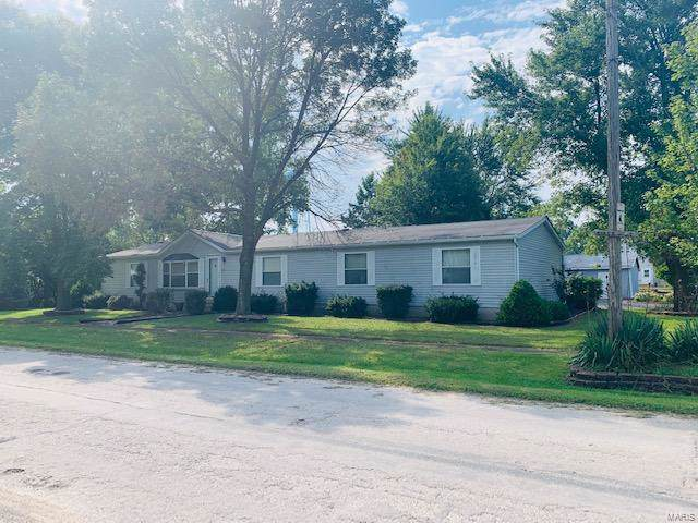 211 W Birch, Hunnewell, MO 63443 (#19066875) :: RE/MAX Professional Realty
