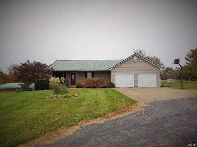 12269 Country Meadows Place, Hannibal, MO 63401 (#19082172) :: Sue Martin Team
