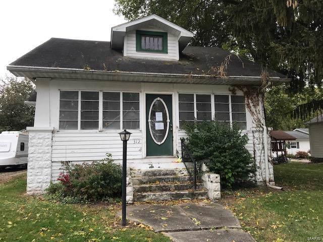 312 E Pennsylvania Street, STAUNTON, IL 62088 (#19082467) :: Clarity Street Realty