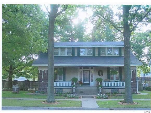 1317 Pine Street, Highland, IL 62249 (#19084127) :: Hartmann Realtors Inc.