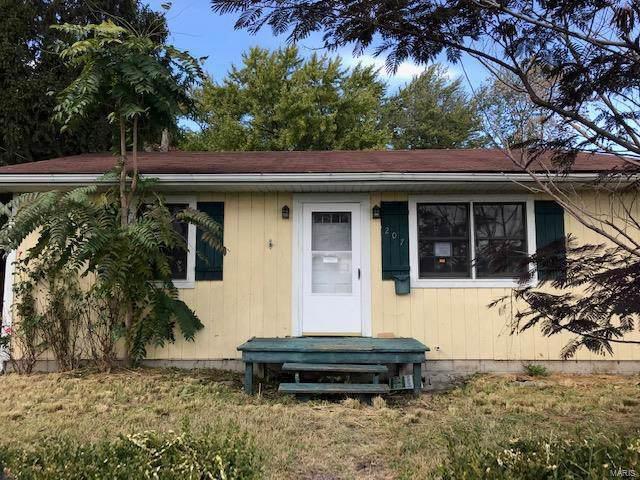 207 Niagra Street, East Alton, IL 62024 (#19084509) :: Kelly Hager Group | TdD Premier Real Estate