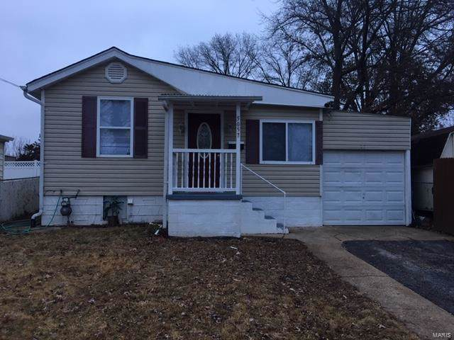 5057 Lakewood Avenue, St Louis, MO 63123 (#19090860) :: Walker Real Estate Team