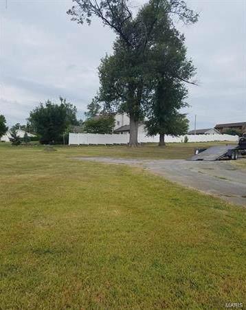 301 Country Club Lane - Photo 1