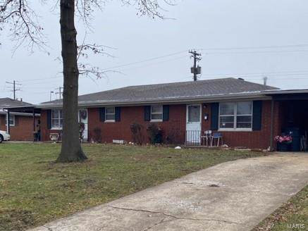 34 Queensway Drive, Belleville, IL 62226 (#20002876) :: Clarity Street Realty