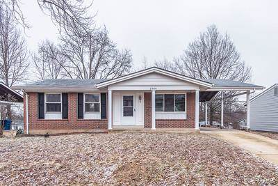 2366 Wesglen Estates Dr, Maryland Heights, MO 63043 (#20005586) :: Sue Martin Team