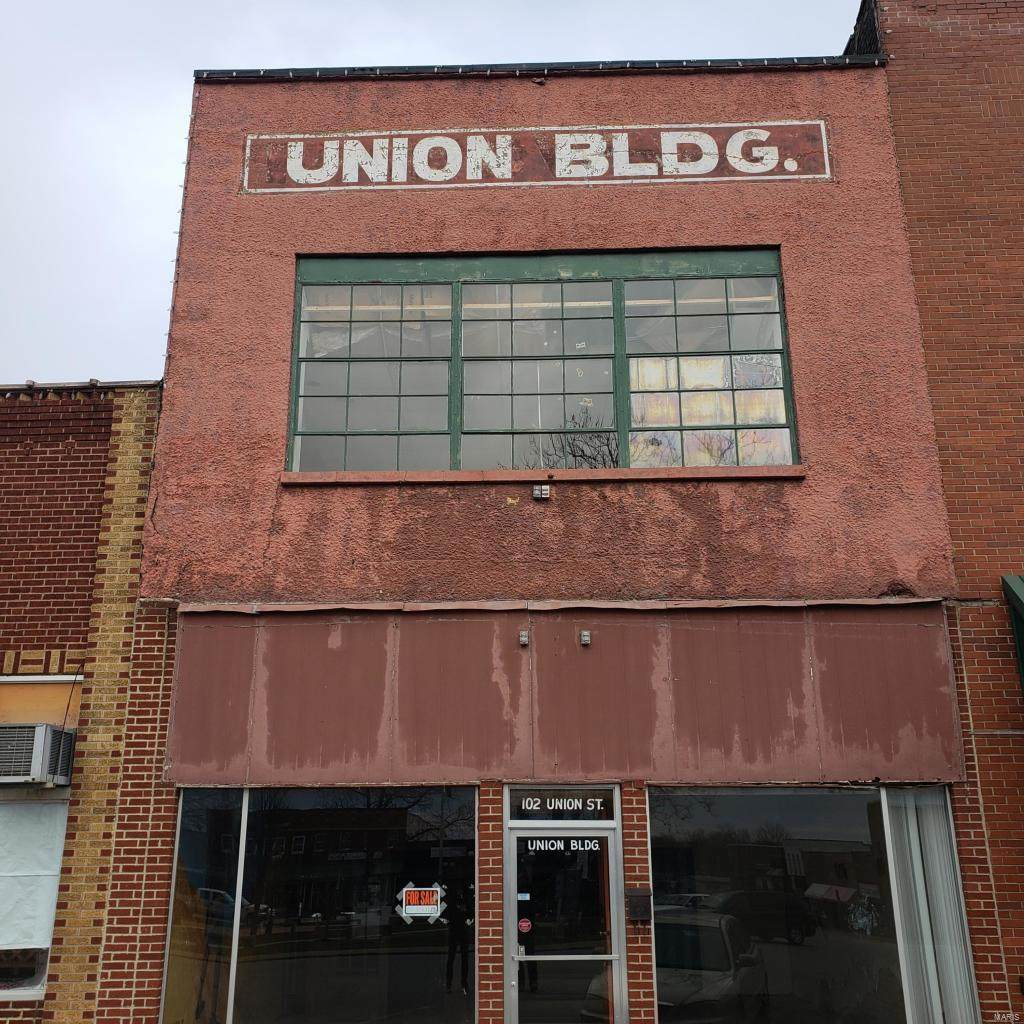 102 Union Street - Photo 1
